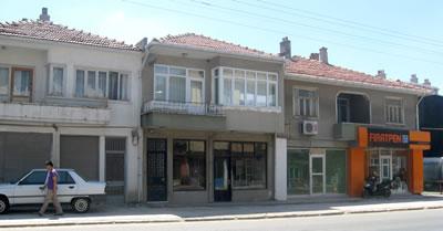 Muratlı'nın göçmen mahallesi dışında gelişen erken modern yapılar