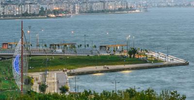 <p><strong>2a. </strong>İzmirde  Konak-Karataş ve Pasaport bölgesi kıyı düzenlemesi örnekleri<strong></strong><br />