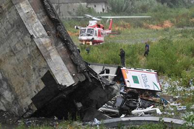 <p><strong>2a. </strong>14 Ağustos 2018 günü  olay sonrası görüntüsü<br />Kaynak: www.sbs.com.au/news/genoa-bridge-collapse-caught-on-camera [Erişim: 01.09.2018]