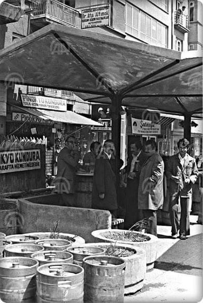 """<p><strong>2b. </strong>Yayalaştırılan Sakarya  Caddesi, """"Sakarya Bira Parkı"""" ve kent mobilyaları</p>"""