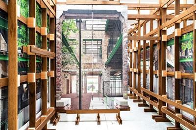 "<p><strong>2d.</strong>""Freespace"" temasında  Gelecek Vadeden Genç Mimar Gümüş Aslan Ödülü: <strong>Jan de Vylder, Inge Vinck, Jo Taillieu</strong>(Gent, Belçika) architecten de vylder vinck  taillieu</p>"