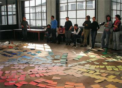 <strong>Resim 3a. </strong>Zürih'in  Renkleri Araştırma Projesi Kapsamında Yapılan Çevresel Renk Analizi  Çalışmalarından Örnekler</p>