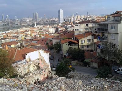 <p><strong>3.</strong> Yıkımın başladığı  bölgedeki doku<br />  Fotoğraf:  Duygu Parmaksızoğlu</p>