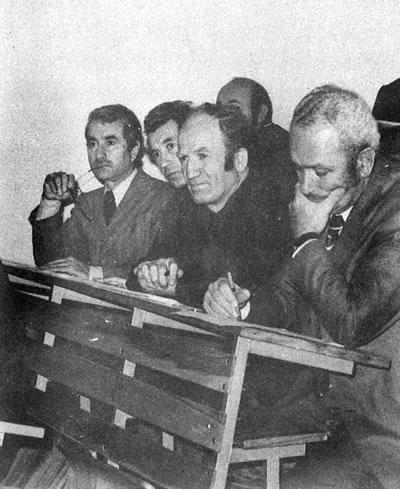 <p><strong>3.</strong> Yıldız  Üniversitesinde bir seminerde, 1977, (soldan) Maruf Önal, Burhan Tansuğ,  Erdoğan Örüklü, Şazi Sirel<br />  Kaynak: 1985, <em>Prof. Ö.  Maruf Önal</em></p>