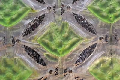 """<p><strong>3.</strong> Yaygın olarak kullanılan FBR sistemleri  - Plastik torba tipine örnek Waterlilly<br />Kaynak: Griffa, Cesare, 2015, """"Waterlilly 2.0"""", cesaregriffa.com/waterlilly/waterlilly-2-0/ [Erişim: 26.11.2017]"""