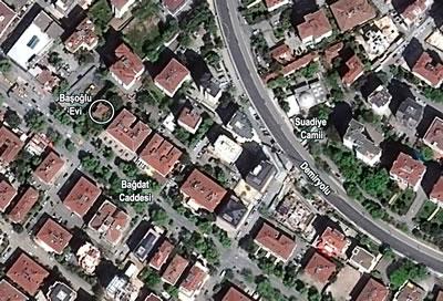 <p><strong>3. </strong>Başoğlu Evi vaziyet  planı <br />   Kaynak:  Hava fotoğrafı üzerinden yazarlar tarafından hazırlanmıştır.<strong></strong></p>
