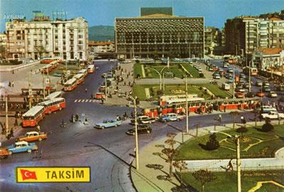 <p><strong>3. </strong>Taksim  Meydanı ve Atatürk Kültür Merkezi birlikteliği, 1960 lar<br /> Kaynak: Kemali Söylemezoğlu  arşivi, Salt Araştırma<strong></strong></p>