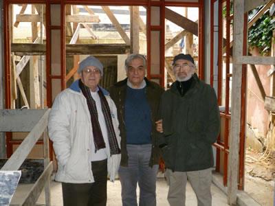 <p>(ortada) Fahrettin  Ayanlar, (sağda) Mehmet Nuri Arıkoğlu<br />Kaynak: Mehmet Nuri Arıkoğlu</p>