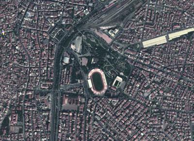<strong>3.</strong> Atatürk Parkı Hava Görünüşü<br /> Kaynak: Google Earth, 2014</p>