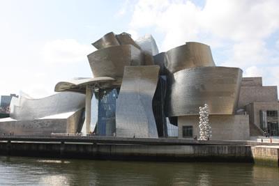 <strong>3.</strong> The Guggenheim  Museum Bilbao, Frank Gehry