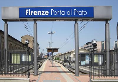 "<em>Resim 3a. Leopolda Kentsel Yenileme Alanı, ""Firenze-Porta al  Prato""istasyonu </em>Fotolar: Dimitra Babalis, 2012.</p>"