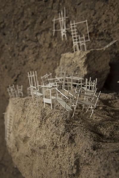 """<p><strong>3b.</strong>Nermin  Er, """"Yan yana"""", 2017, Enstalasyon, Kağıt, Dünyadan Çıkış Yolları, Cappadox,  Nevşehir. <br />"""
