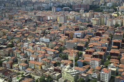 <p><strong>Resim 4.</strong> Riskli yapılar topluluğu, Kadıköy, İstanbul<br /> Kaynak:  Çevre ve Şehircilik Bakanlığı, 2016</p>