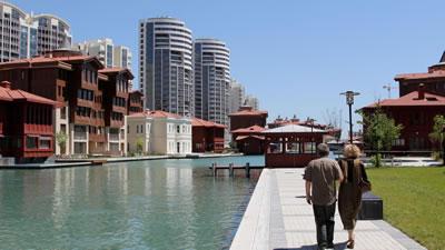 <p><strong>4.</strong> Evrenol  Mimarlık, Bosphorus City, Halkalı, İstanbul, 2008-2012<br /> Kaynak: www.evrenolarchitects.com/projeler-Bosphorus_City-4.html</p>