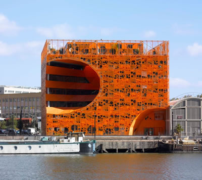 <p><strong> 4.</strong> Orange Cube (Jacob+Macfarlane)<br />Kaynak: www.architectural-review.com/buildings  [Erişim: 05.02.2015]</p>
