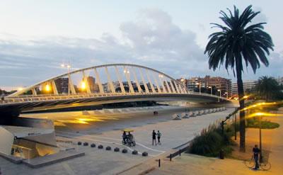 <p><strong>4.</strong> El Puente De La Exposicion, 1995, Valensiya (2014)</p>