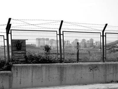 <p><strong>4. </strong>Yakında imara açılacak olan askeri alanlar<br />  Fotoğraf: Yoann Morvan</p>