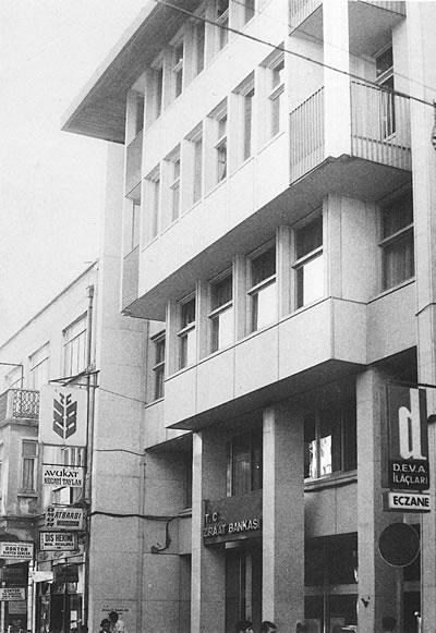 <p><strong>4.</strong> Ziraat Bankası Bakırköy Şubesi, 1964.</p>