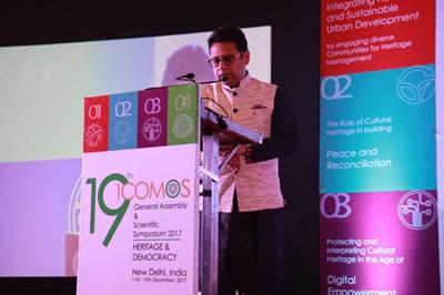 <p><strong>4.</strong> ICOMOS Hindistan Başkanı  Rohit Jigyasunun açılış konuşması</p>