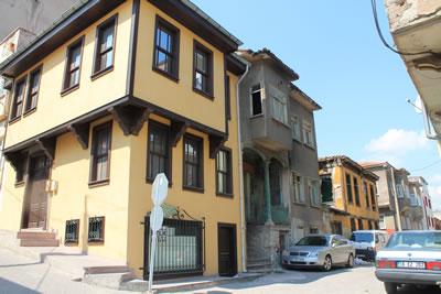 <p><strong>4a. </strong>Balıkesir  İline ait Yöresel Mimari Projeler<br />  Kaynak: URL7.</p>