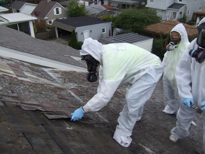 <p><strong>4b.</strong> Asbestli yapı  ürünlerinin yapıda incelenmesi<strong></strong><br />  Fotoğraflar: Kadıköy Belediyesi web sitesi</p>