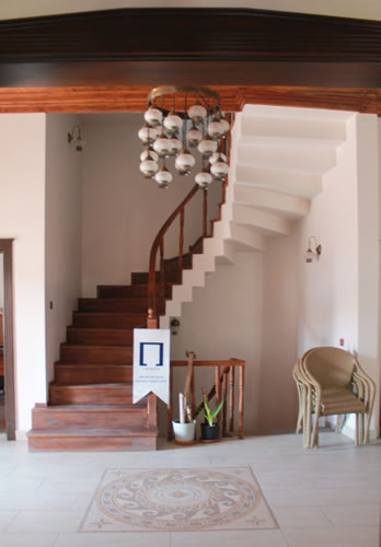 Aksaray Temsilciliği Hizmet Binası Merdiven