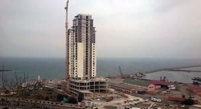 5.Mevcut imar durumuna aykırı olduğu gerekçesiyle hakkında dava açılan 115 metrelik Samsun Sheraton Oteli'nin inşaatı devam ediyor. (Fotoğraf: Yavuzhan Karatay)