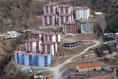 Türkiye'nin çeşitli kentlerdeki TOKİ toplu konut üretimlerinden örnekler. Gümüşhane (www.gumushane.gen.tr)
