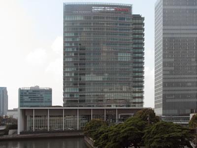 <p><strong>5.</strong> Yeşil bina olarak tasarlanıp inşa edilen Nissan (Global  Headquarters) Binası, Yokohama, Japonya Fotoğraf: Osman Balaban</p>