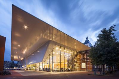 <p><strong>5.</strong> Ek  bina<br />   Fotoğraf: Jannes Linders  Kaynak: Benthem Crouwel Architects</p>