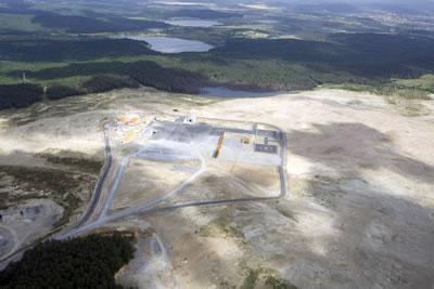 <p><strong>5.</strong> Çalışmalar başladıktan kısa süre sonra: Yapılan tahribat ve öncesindeki doğal  çevre yakından görülebiliyor.<br />   Fotoğraf: Timur Kara, Magma  Dergisi</p>