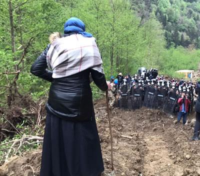 <p><strong>5a.</strong> İkizderedeki direnişten fotoğraflar<br /> Fotoğraflar: Eren Dağıstanlı</p>