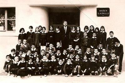 <p><strong>5a.</strong> Cürek Maden İlkokulu<br />  Kaynak: Divriği Belediyesi  Arşivi, Yılı Bilinmiyor<br />