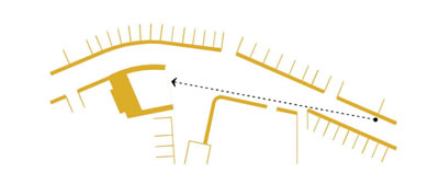 <p><strong>5b.</strong> Sokağı görsel olarak yapının içine  alarak yapının algılanabilirliğini artıran  yaklaşım<br /> Kaynak: Teğet Mimarlık</p>