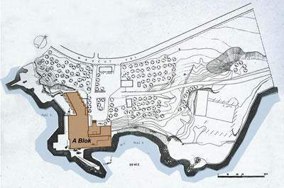 <p><strong>6.</strong> Grand Hotel Bayramoğluna ait vaziyet planı<br /> Kaynak: Tekeli, Doğan; Sisa, Sami, 1979, <strong>Çevre: Mimarlık ve Görsel Sanatlar Dergisi</strong>,  sayı:6, s.3 üzerinde yazarlar tarafından işlenmiştir.</p>