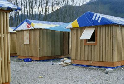 <p>Shigeru  Ban Mimarlık tarafından depremzedeler için tasarlanan kağıttan evler, 2000,  Türkiye<br />Kaynak: Shigeru Ban Architects</p>