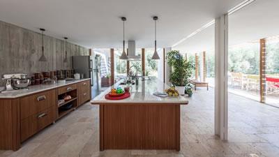 <p><strong> 6.</strong> Mutfağın geniş vistası</p>