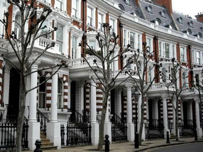<p><strong>6.</strong> Bölgedeki lüks konut örnekleri<br />Kaynak: www.getwestlondon.co.uk/news/west-london-news/thinking-buying-property-kensington-chelsea-12763711 [Erişim: 14.7.2017]