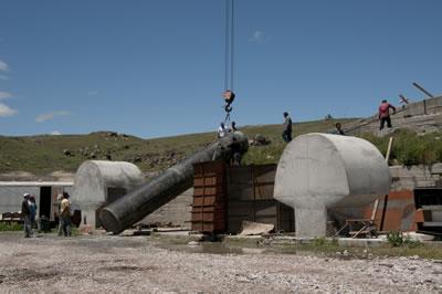 <p><strong>6.</strong> İnsanlık Anıtının inşa süreci, Mayıs  2009</p>