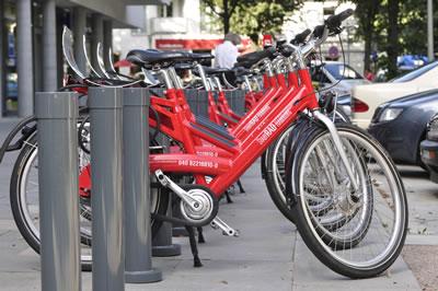 6. Hamburg Belediyesi'nin sunduğu ücretsiz bisikletler (Kaynak: Cornelius Kalk, 2009)