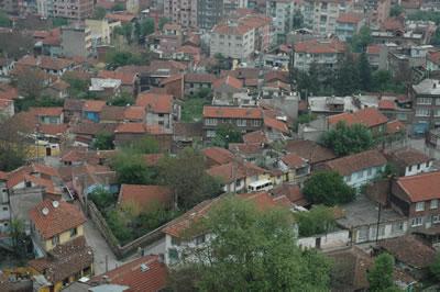 <p><strong>6a.</strong> Dönüşüm öncesinde ve sonrasında Doğanbey <br /> Kaynak: Osmangazi Belediyesinden bir yetkili ile yapılan  görüşmede alınmıştır.</p>