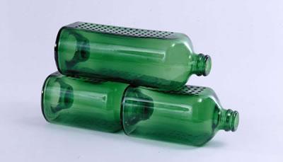 <p><strong>6b.</strong> Heineken için üretilen WOBO isimli tuğla  olarak kullanılabilen bira şişeleri</p>