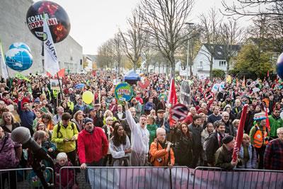 <p><strong>6c. </strong>COP23 ün öncesinde 4 Kasım da organize edilen gösteri<br />   Fotoğraf:  Markus Feger, Düsseldorf</p>