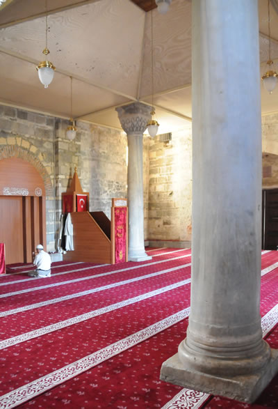 7. Trabzon Ayasofya, camiye çevrilme sonrası iç görünüş. (Kaynak: Trabzon Vakfı)