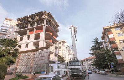 <p><strong>7. </strong>Kadıköy, Bağdat Caddesi'nde bina ölçeğinde dönüşüm</p>