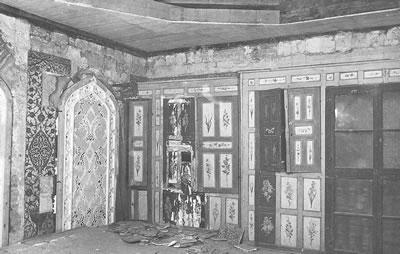 <p><strong>7.</strong> Topkapı Sarayı Harem Dairesi Kubbeli Kasır da restorasyon  esnasında kaldırılan ek kat<br />   Kaynak: Mualla Eyüboğlu Anhegger arşivi</p>