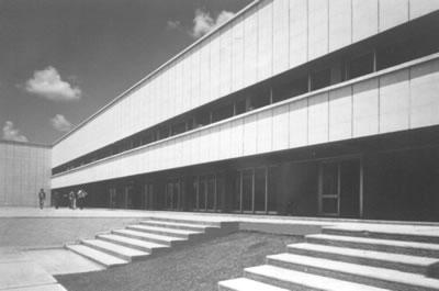 <p><strong>7.</strong> Elazığ Üniversitesi Veteriner Fakültesi, Elazığ, 1972-77</p>