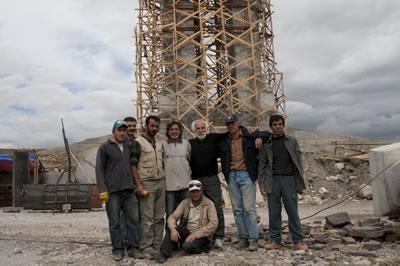 <p><strong>7.</strong> İnsanlık Anıtının inşa ekibi, Eylül  2009</p>