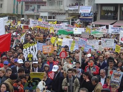 <p><strong>Resim 7b.</strong> Sinop Nükleer Karşıtı Platformun düzenlediği  eylemlerden</p>