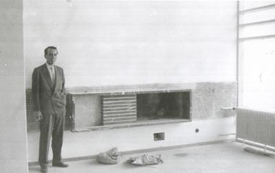"""<p><strong>7b.</strong> 1960 lar Ankarasının en göze  çarpan modern konut bloğu örneklerinden Cinnah 19 - """"Benim en önemli yapım  olan bu bina çocuğum gibidir."""" Bu yapı şu an Mimarlar Derneği 1927'ye ev sahipliği yapıyor<br />Kaynak: Mimar Nejat Ersin kitabı s. 14, NEPR30PMMK017"""